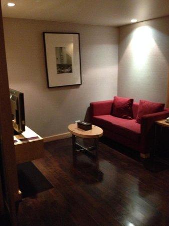 Sukhumvit 12 Bangkok Hotel & Suites : Seating
