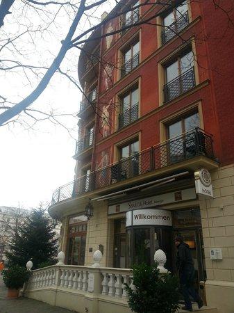 SensCity Hotel Albergo: Seitenansicht