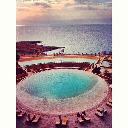 Kempinski Hotel Ishtar Dead Sea : Ishtar pool area