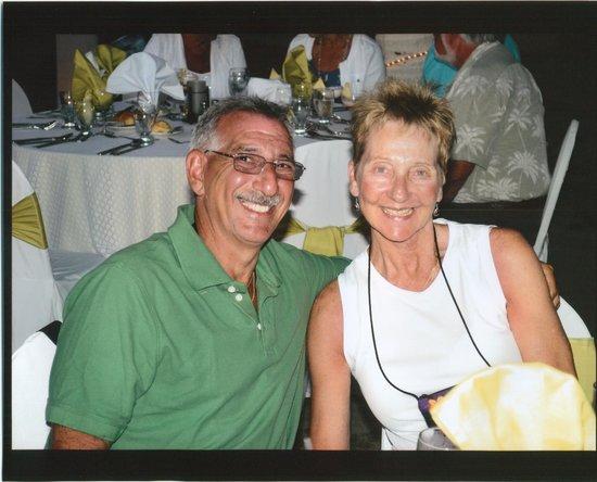 Crown Paradise Golden Resort Puerto Vallarta : Linda and I.