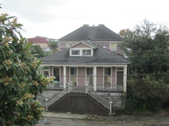 Monrose Row : HBO's DJ Davis house