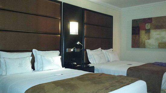 Hotel Real del Rio Tijuana: Room