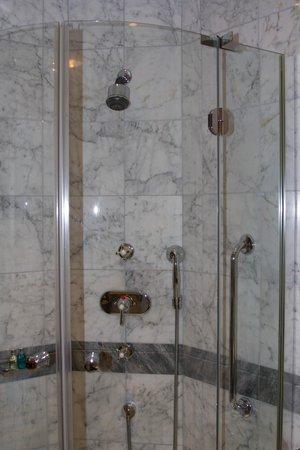Hotel Kamp: Bathroom 2