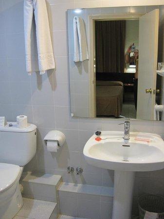 Hotel Monegal: Baño