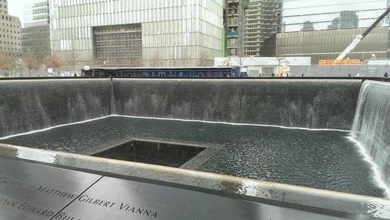 National September 11 Memorial und Museum: View of Tower Memorial Pool