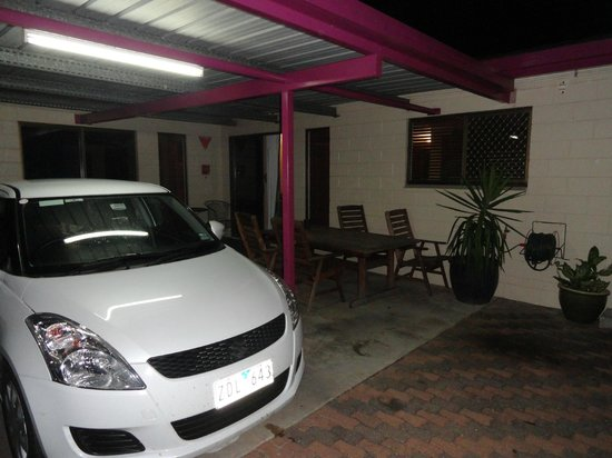 Townsville Holiday Apartments : Estacionamiento