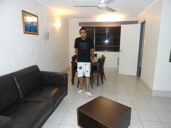 Townsville Holiday Apartments : Comedor