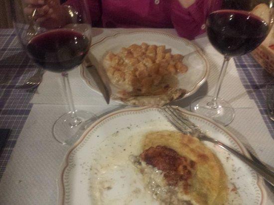 La Locanda nel Cassero: Pumpkin gnocchi and mushroom lasagne at Locanda