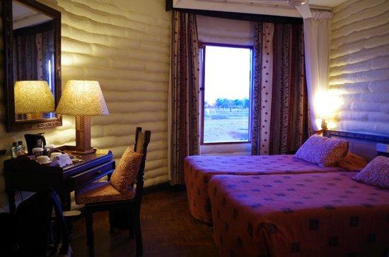 Sarova Salt Lick Game Lodge: chambre