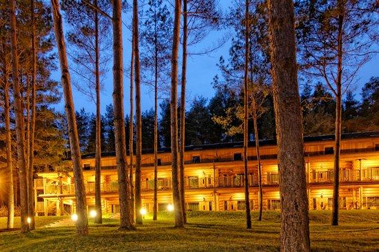 IDW Esperanza Resort: Rooms at night