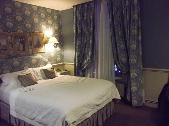 Hotel du Champ de Mars: our lovely room.