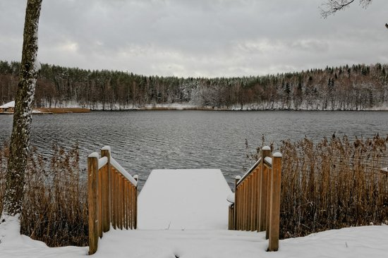 Esperanza Resort & SPA: Lake in front of hotel