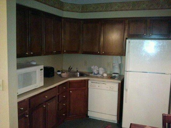 Williamsburg Plantation Resort: Kitchen in B-Unit