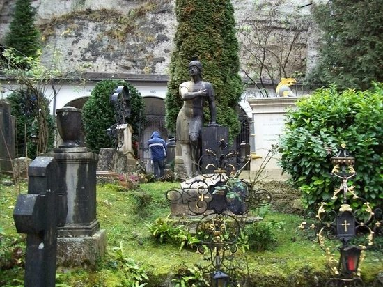 tombe del Petersfriedhof