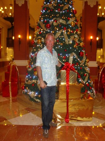Valentin Imperial Riviera Maya: beautiful Christmas tree in the lobby