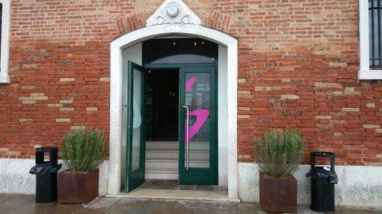Generator Hostel Venice: Entrance