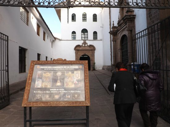 Church and Convent of Our Lady of Mercy (Iglesia de La Merced): Entrada al Museo Convento.
