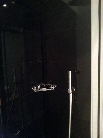 Hotel Sardinero Madrid: baño