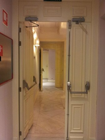 Hotel Sardinero Madrid: pasillo