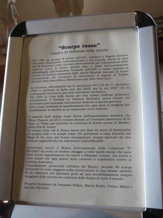 Museo  Comunale: Scarpe rosse...!!!