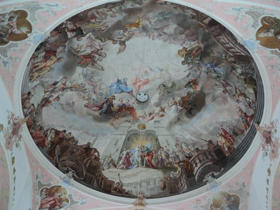 Oberammergau Church: fresco en el techo