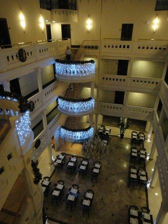 Wyndham Istanbul Old City: Uno de los patios interiores