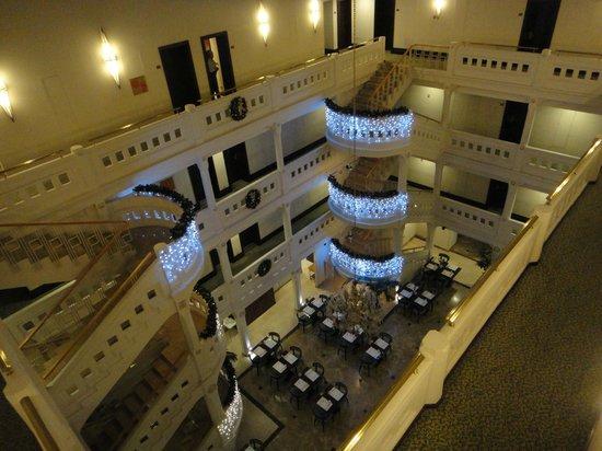 Wyndham Istanbul Old City: Vista del restaurante donde se sirve el desayuno