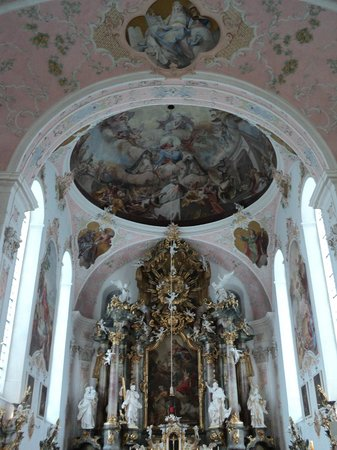 Oberammergau Church: la nave central