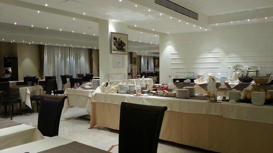Catania International Airport Hotel : La sala della colazione