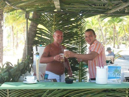 ClubHotel Riu Bambu : me and jorge at the beach bar