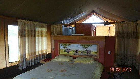 Sentrim Amboseli: interno della tenda