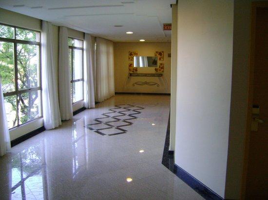 Hotel Rafain Centro: Corredor