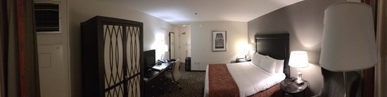Georgetown University Hotel and Conference Center : Big Bed room