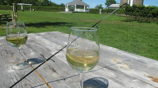 Doukenie Winery: Catch and release fishing by the duck pond