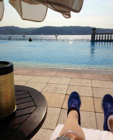 Ciragan Palace Kempinski Istanbul: het zwembad