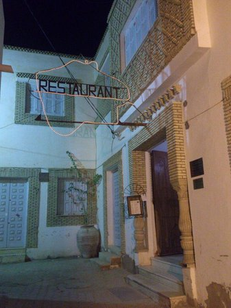Le Minaret : You know it's open when the menu is on display