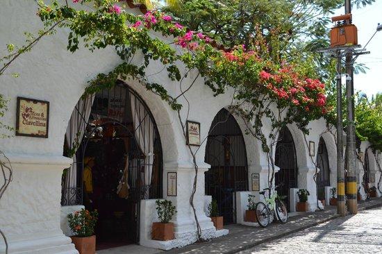 Hotel Mariscal Robledo: Front Side Restaurant