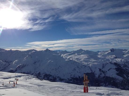 Chalet Le Meleze Dore: great snow in meribel 28th dec 2013