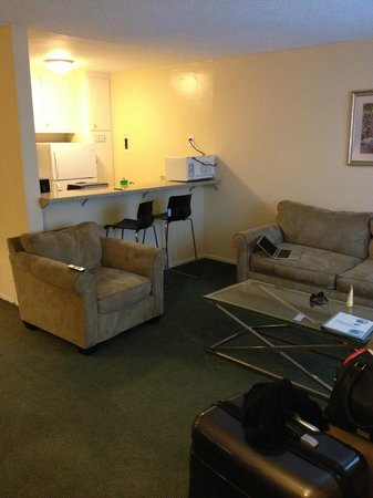 Hollywood Orchid Suites: Lounge