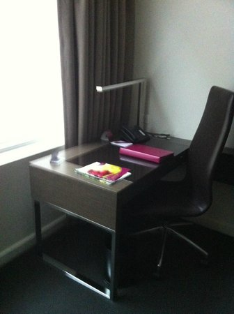 Crowne Plaza Adelaide : Desk