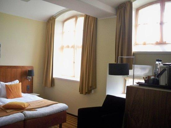 Hotel Katajanokka: room windows
