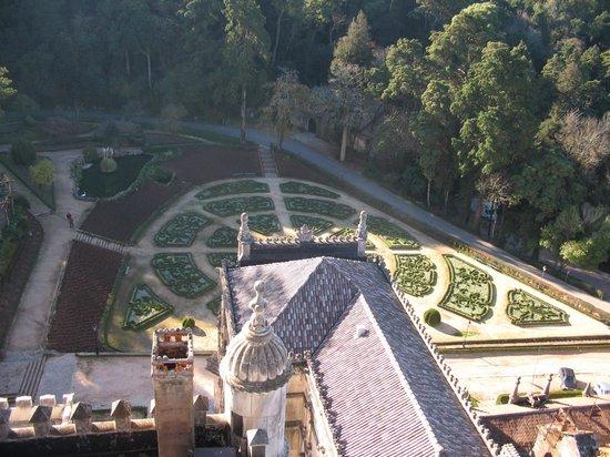 Bussaco Palace Hotel: Vista superior do jardim