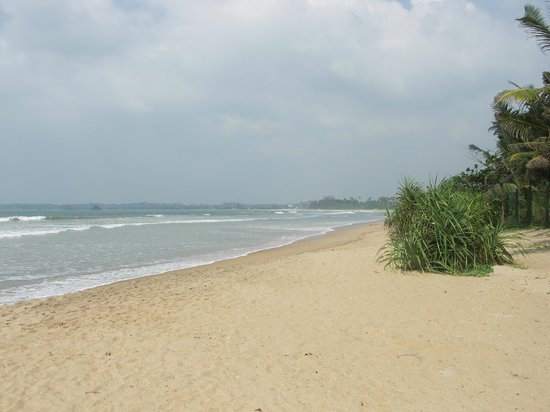 Mandara Resort : The unspoilt beach with Welgama in the far distance