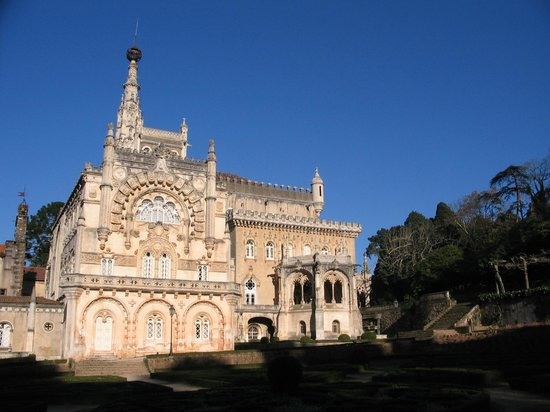Bussaco Palace Hotel: Frente do hotel