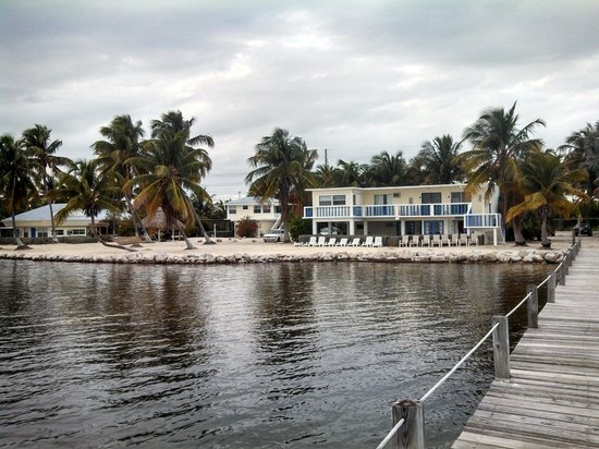 Seashell Beach Resort: View from the end of the dock