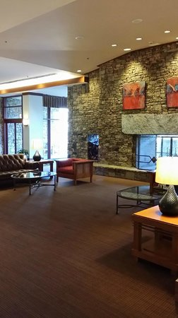 Emory Conference Center Hotel: Great Rooms & Lobby