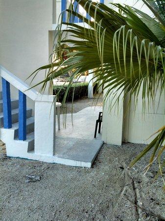 Seashell Beach Resort: Side entrance for #6