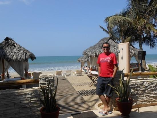 Mango de Costa Azul: Camino a la playa!