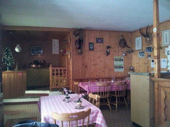 Sala da pranzo, piccola e rustica - Foto di Trattoria Al Bosco ...