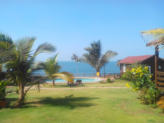Ozran Heights Beach Resort: grand cottege view